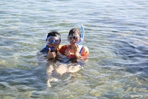 Ralp (boyfriend) and I. Snapshot before snorkeling :D Photo Credits to Zel Manalang